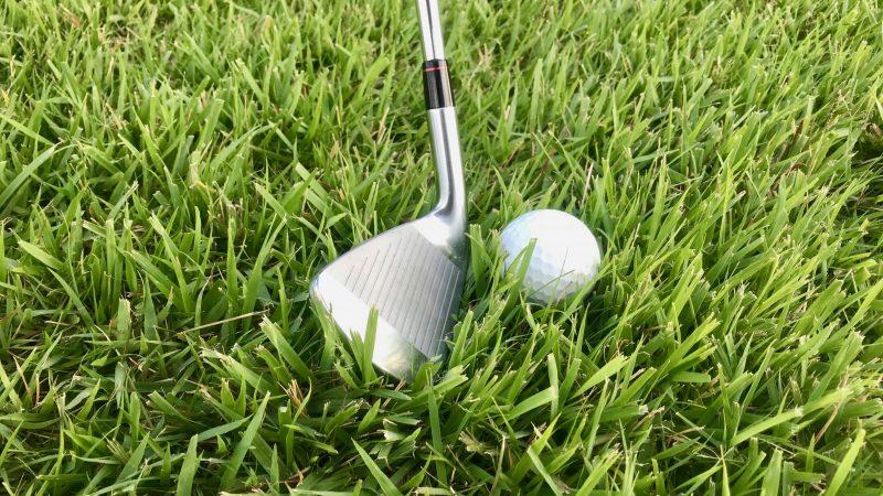 GEN-TENゴルフコースレッスンラフフェースを開いてセットアップの写真