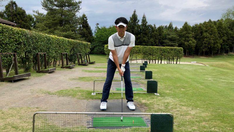GEN-TENゴルフコースレッスンスローモーション素振りアドレス正面からの写真