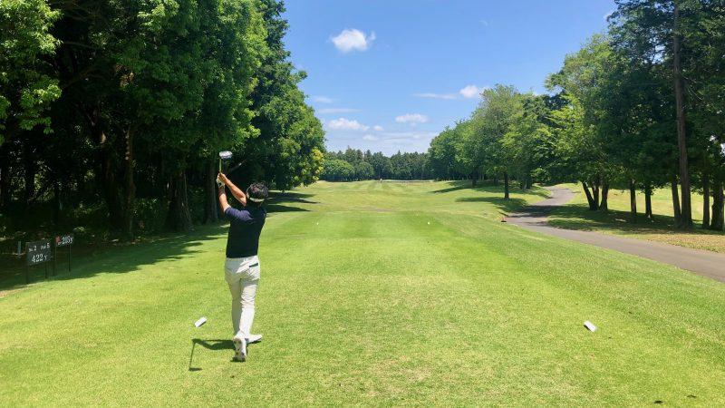 GEN-TENゴルフコースレッスンワンウェイGCティショットの写真
