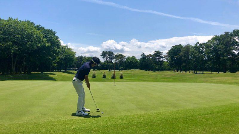GEN-TENゴルフコースレッスンワンウェイGCパッティング素振りの写真