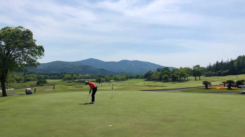 GEN-TENゴルフコースレッスンハーフラウンドパッティング練習の写真②
