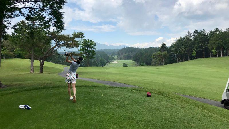 GEN-TENゴルフコースレッスン朝霧CCティショットの写真