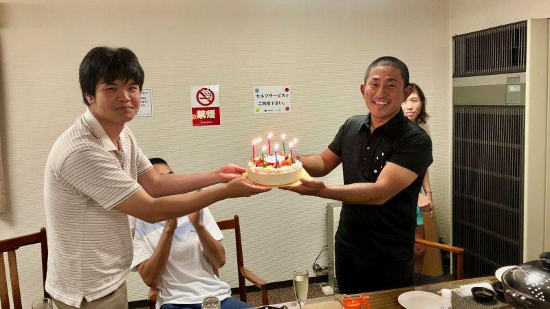 GEN-TENゴルフコースレッスントライフィールド誕生日ケーキの写真