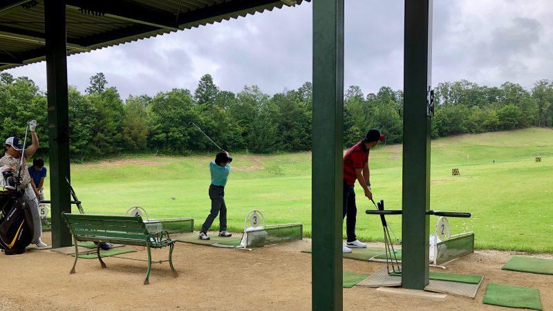 GEN-TENゴルフコースレッスン森林公園ドライビングレンジの写真
