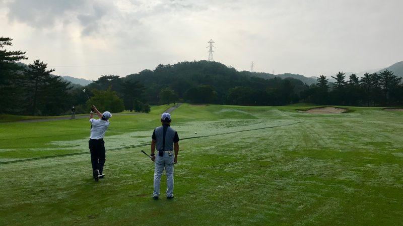 GEN-TENゴルフコースレッスン早朝ハーフセカンドショットの写真