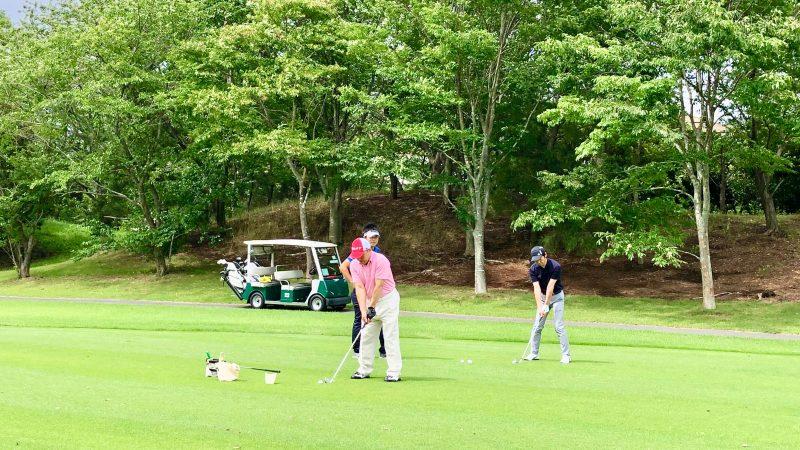 GEN-TENゴルフコースレッスン体験レッスンショットの定点練習の写真