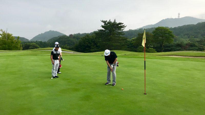 GEN-TENゴルフコースレッスン早朝ハーフパッティングの写真