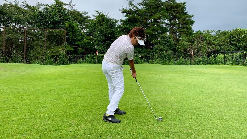 GEN-TENゴルフコースレッスン正しいインパクト後方からの写真