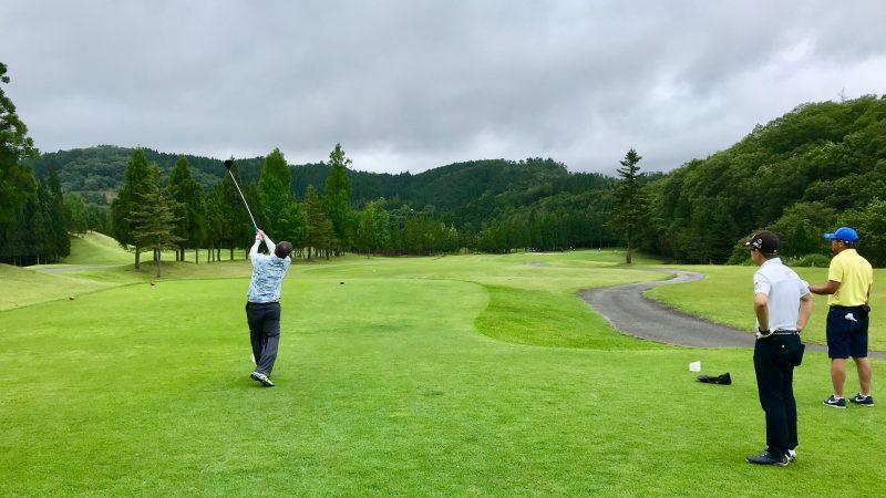 GEN-TENゴルフコースレッスンJOYXGC10番ホールティショットの写真