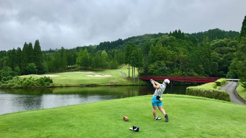 GEN-TENゴルフコースレッスンJOYXGCPar3ティショットの写真