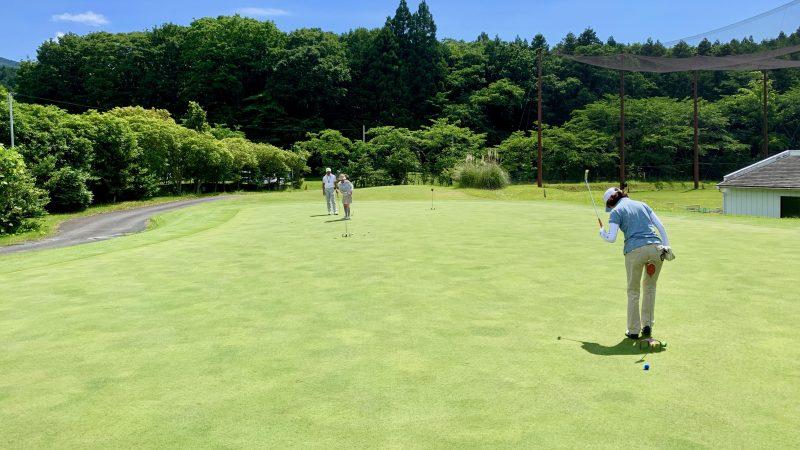 GEN-TENゴルフコースレッスンギャツビイGCパッティンググリーンの写真