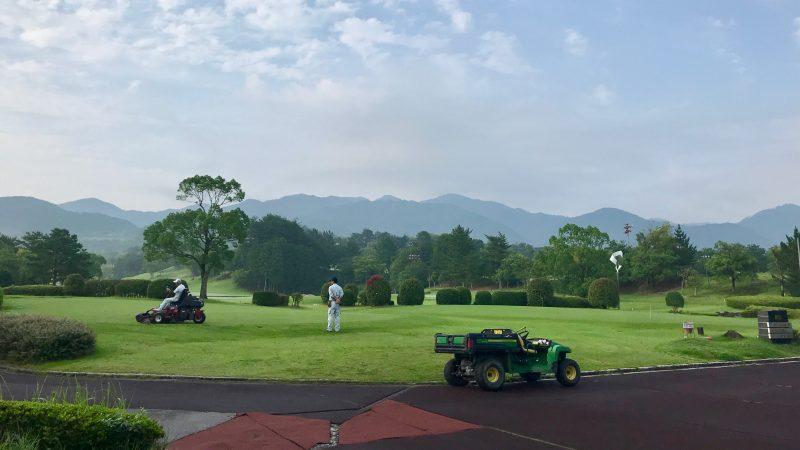 GEN-TENゴルフコースレッスン六甲CCパッティンググリーンの写真