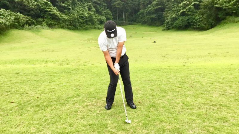 GEN-TENゴルフコースレッスン右足体重のインパクトの写真