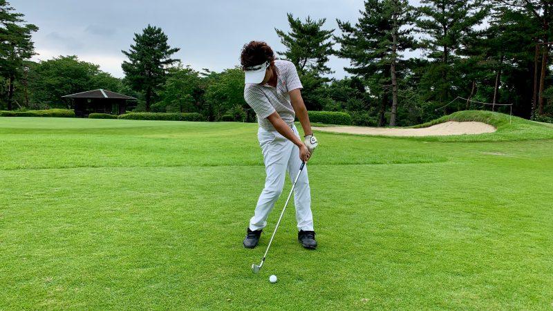 GEN-TENゴルフコースレッスン正しいインパクトの写真