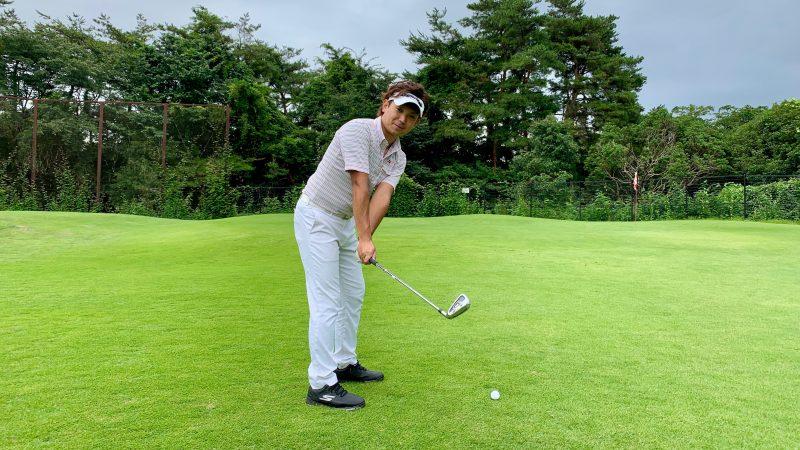 GEN-TENゴルフコースレッスンバックスイングの写真