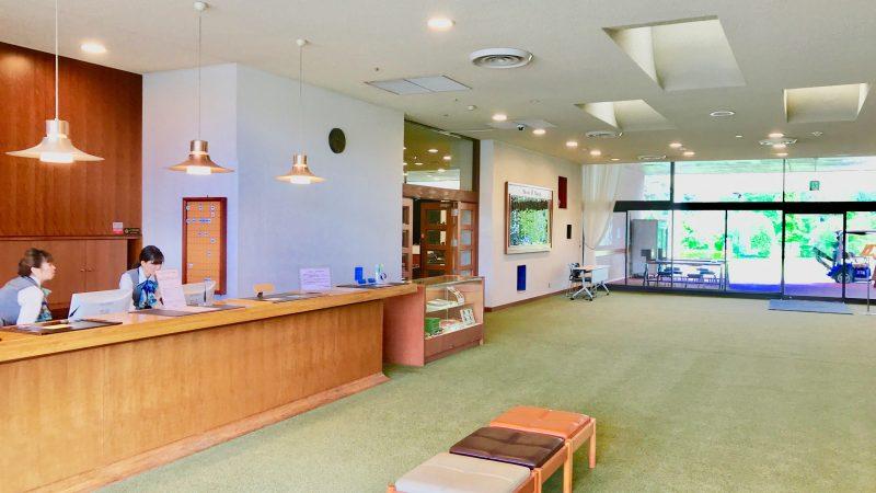 GEN-TENゴルフコースレッスンスリーレイクスCCクラブハウスの写真