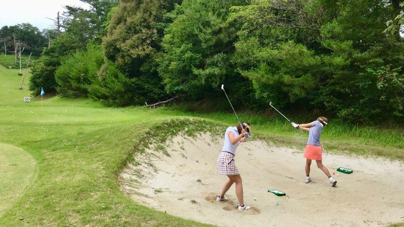 GEN-TENゴルフコースレッスンスリーレイクスCCバンカーショット練習の写真