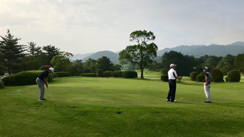 GEN-TENゴルフコースレッスン早朝ハーフパッティング練習の写真