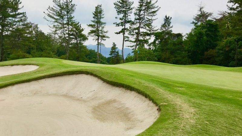 GEN-TENゴルフコースレッスンスリーレイクスCCグリーン周りの写真