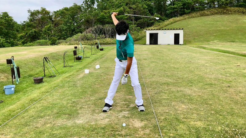 GEN-TENゴルフコースレッスン理想のトップ正面からの写真