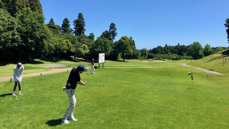 GEN-TENゴルフコースレッスンディスカバリーキャンプ真名CC2日目GPコースアプローチ練習の写真