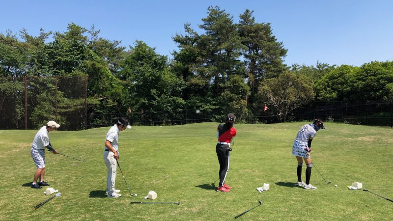 GEN-TENゴルフコースレッスンアカデミアアプローチレッスン後方からの写真