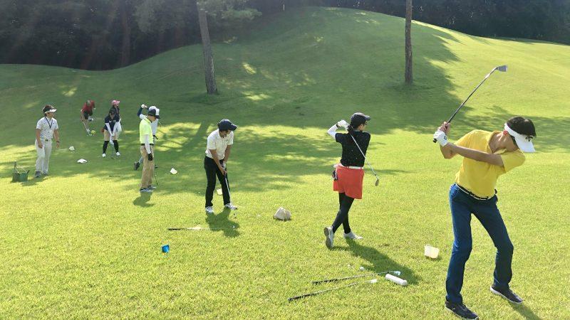 GEN-TENゴルフコースレッスンゲンテン定点練習ラフからのショットの写真