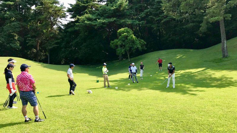 GEN-TENゴルフコースレッスンゲンテン定点練習ラフからのショットの写真②