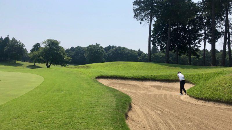 GEN-TENゴルフコースレッスンワンウェイGCグリーン左からバンカーショットの写真