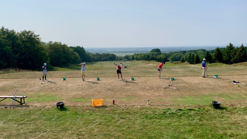 GEN-TENゴルフコースレッスンマオイGRドライビングレンジ後方からの写真