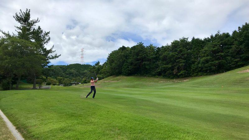 GEN-TENゴルフコースレッスン紀伊高原GCセカンドショット前方からの写真