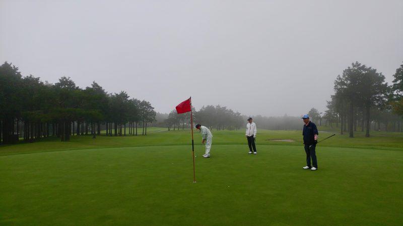 GEN-TENゴルフコースレッスン朝霧CCパッティングの写真②