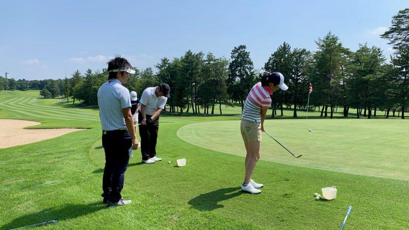 GEN-TENゴルフコースレッスン説明会&体験レッスン定点練習グリーン周りのアプローチ正面からの写真