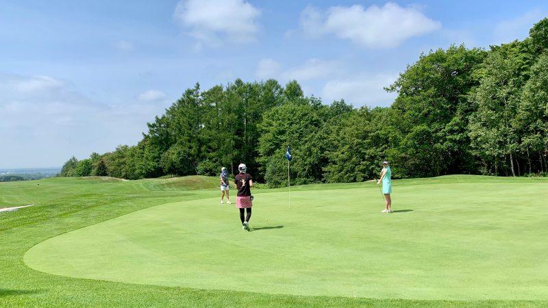 GEN-TENゴルフコースレッスンマオイGRグリーン上の写真