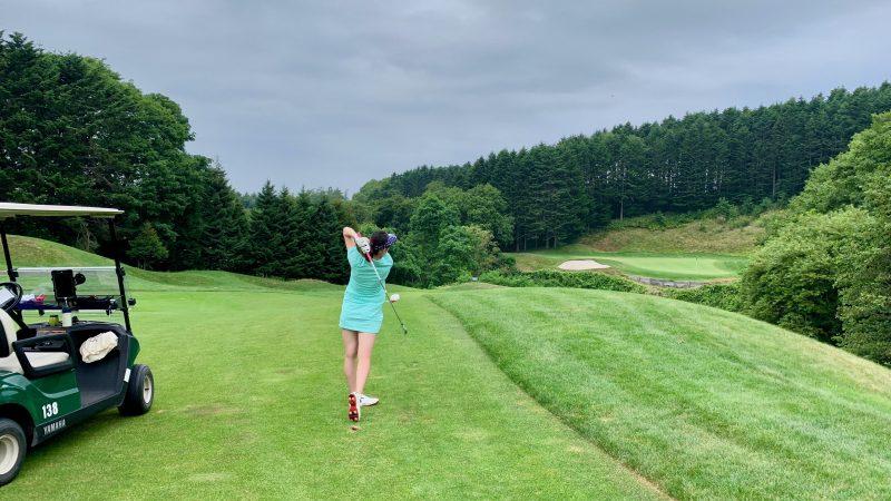 GEN-TENゴルフコースレッスンマオイGR谷越えのショットの写真