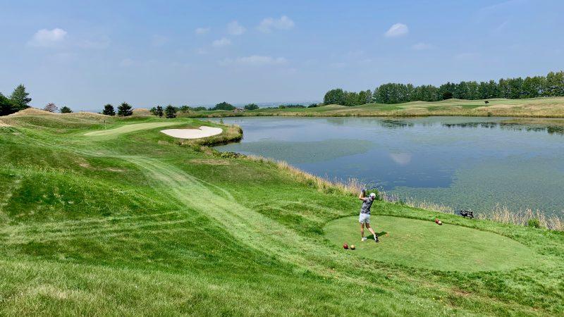 GEN-TENゴルフコースレッスンマオイGRPar3ティショットの写真