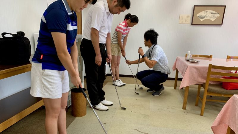 GEN-TENゴルフコースレッスン説明会&体験レッスングリップの握り方の写真②