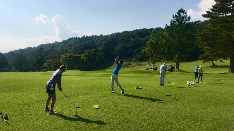 GEN-TENゴルフコースレッスン鷲ヶ岳高原GC定点練習フェアウェイウッドの写真