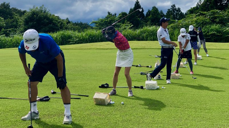 GEN-TENゴルフコースレッスングランディ那須白河GC定点練習フェアウェイからのショットの写真