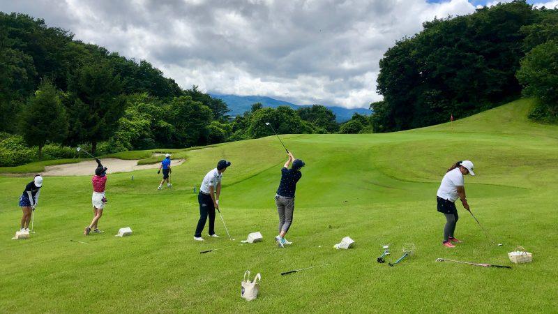 GEN-TENゴルフコースレッスングランディ那須白河GCアカデミーコース定点練習の写真