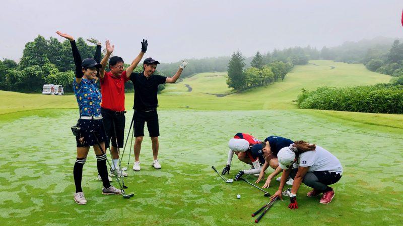 GEN-TENゴルフコースレッスングランディ那須白河GCアプローチゲーム土下座の写真