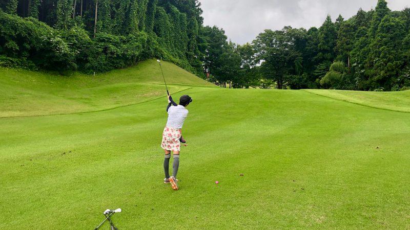 GEN-TENゴルフコースレッスングランディ那須白河GCアプローチショットの写真
