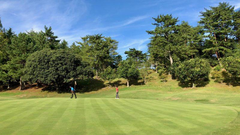 GEN-TENゴルフコースレッスンハーフラウンド千刈CC17番ホールグリーンの写真