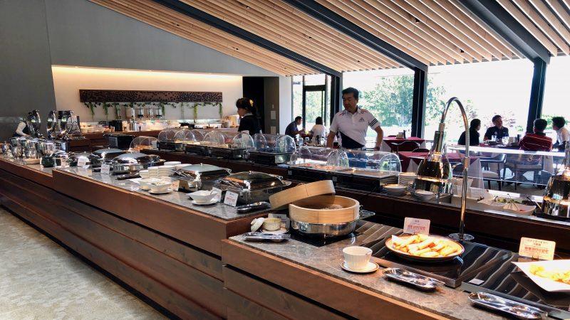 GEN-TENゴルフコースレッスンDC朝霧CC昼食ビュッフェの写真