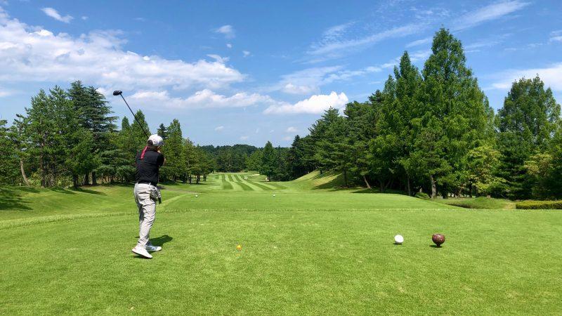 GEN-TENゴルフコースレッスン東京バーディCドライバーショットの写真