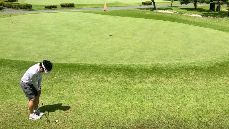 GEN-TENゴルフコースレッスン東京バーディCアプローチアドレスの写真