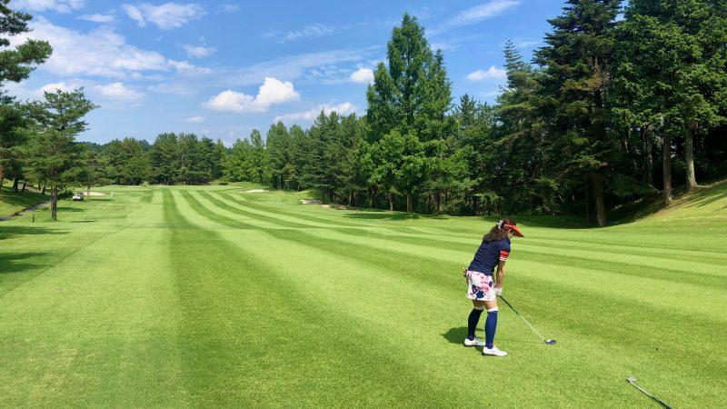 GEN-TENゴルフコースレッスン東京バーディCフェアウェイからアイアンショットの写真