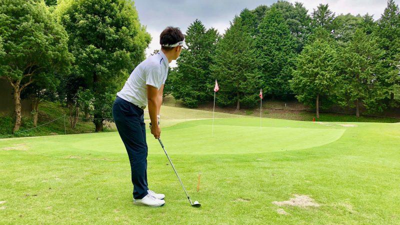 GEN-TENゴルフコースレッスン間違ったボールの見方後方からの写真