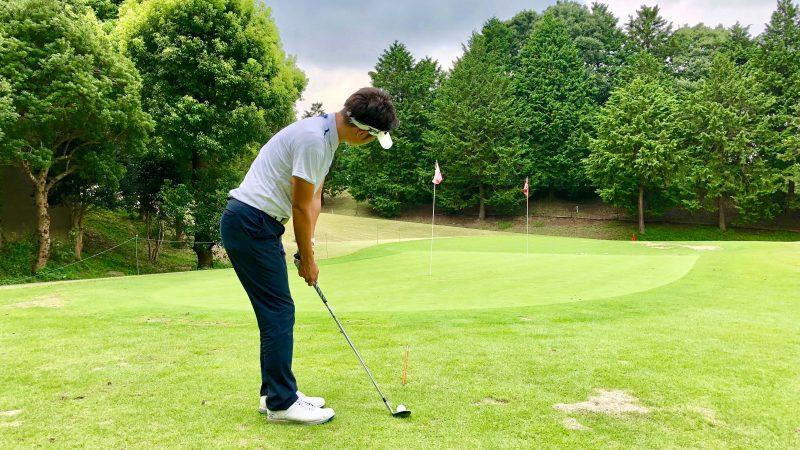 GEN-TENゴルフコースレッスン正しいボールの見方後方からの写真