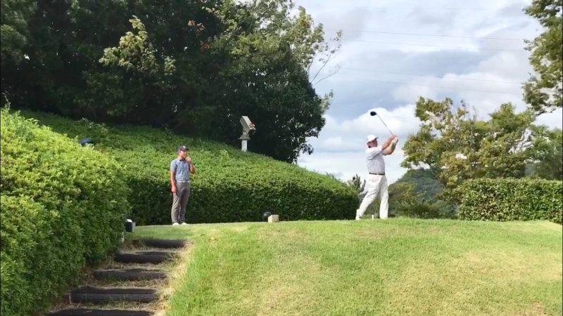 GEN-TENゴルフコースレッスンハーフラウンド六甲CCティショットの写真